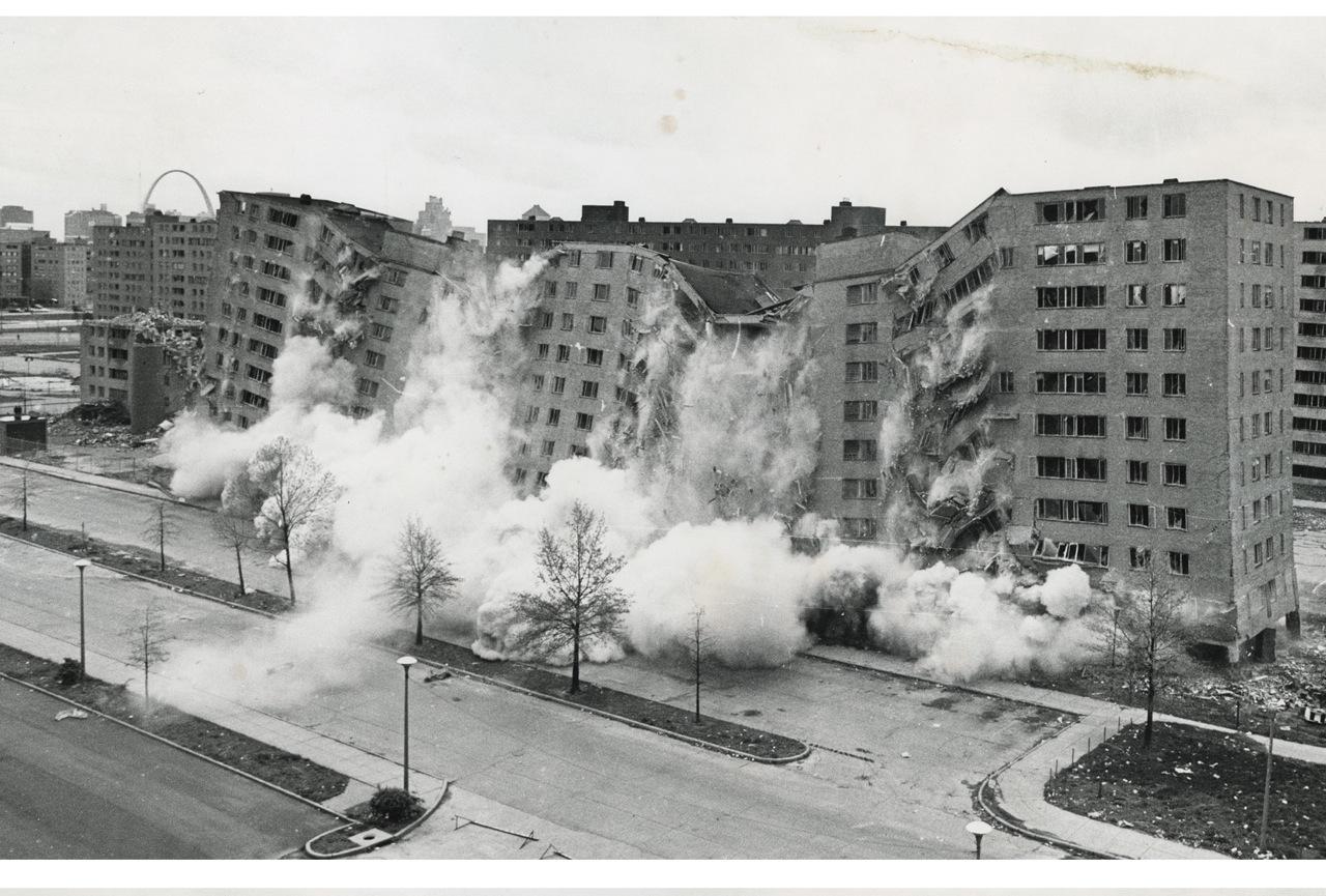The destruction of Minoru Yamasaki's modernist Pruitt-Igoe housing complex in St. Louis (1972)