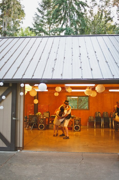 Cristina-Matt-Steampunk-Wedding-Champoeg-Park-Portland-BethOlsonCreative-085ac