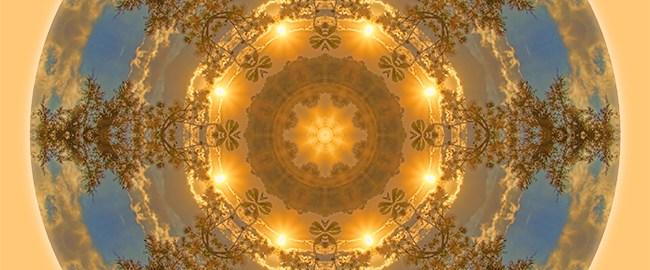 Warm Glow of the Sun Mandala by Beth Sawickie www.bethsawickie.com/warm-glow-of-the-sun-mandala #mandala #kaleidoscope #meditation
