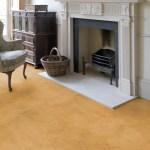 Voorbeeld van een gele Beton Ciré vloer