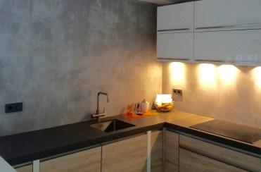 Keuken achterwand in Beton Ciré