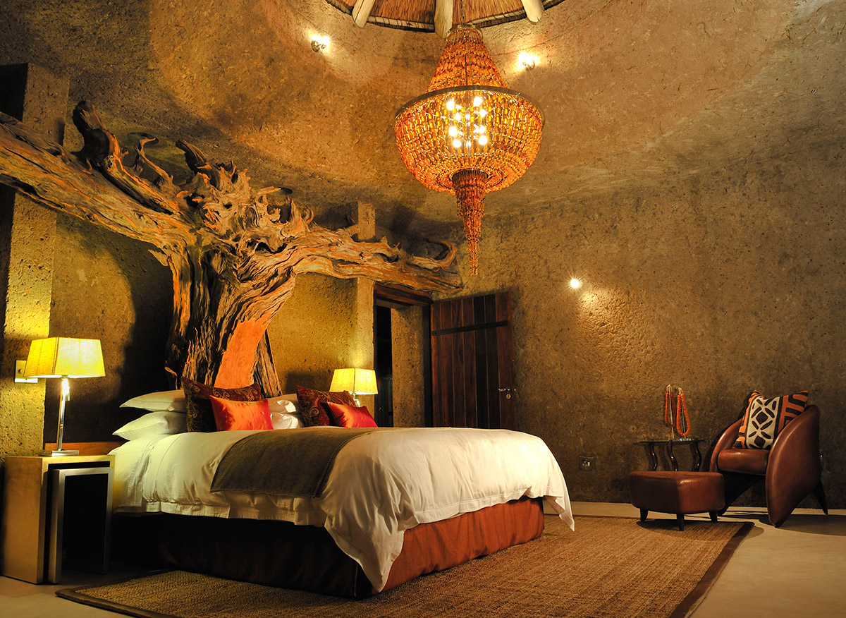 Earth-Lodge-Amber-Presidential-Suite