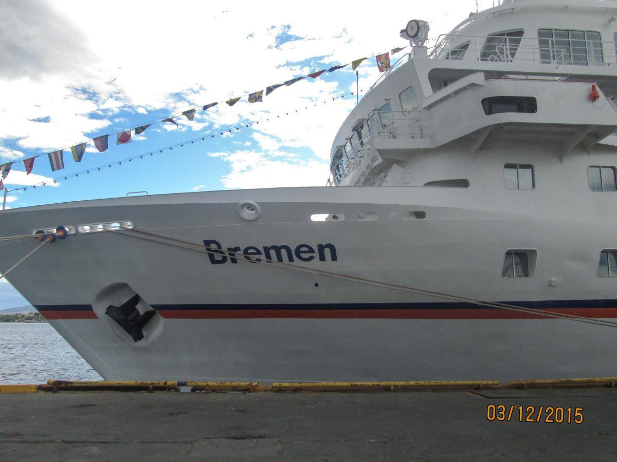 MS Bremen im Hafen von Puntarenas