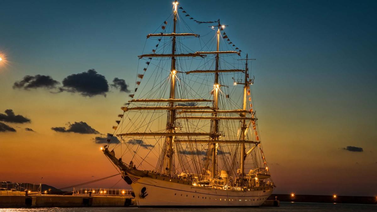 Segel-Kreuzfahrtschiff