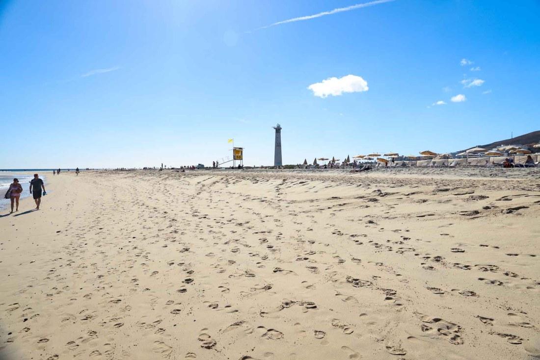 Aldiana Fuerteventura, Strand von Morro Jable mit Leuchtturm