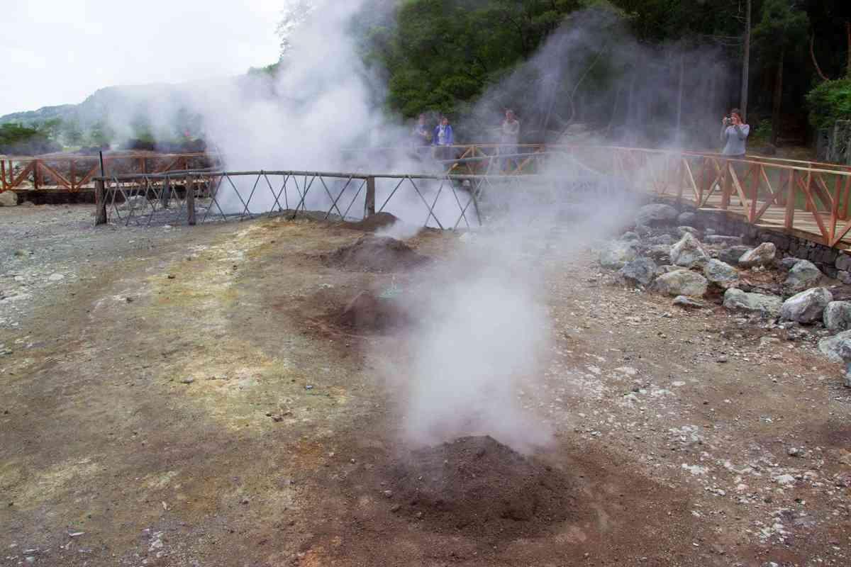 Furnas, Natürlicher Backofen durch vulkanische Hitze