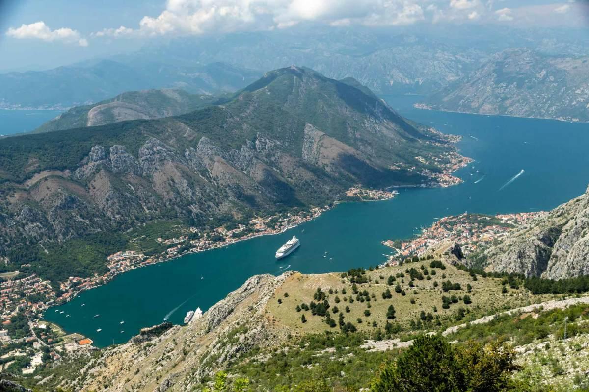 Bucht von Kotor, Kreuzfahrtschiff