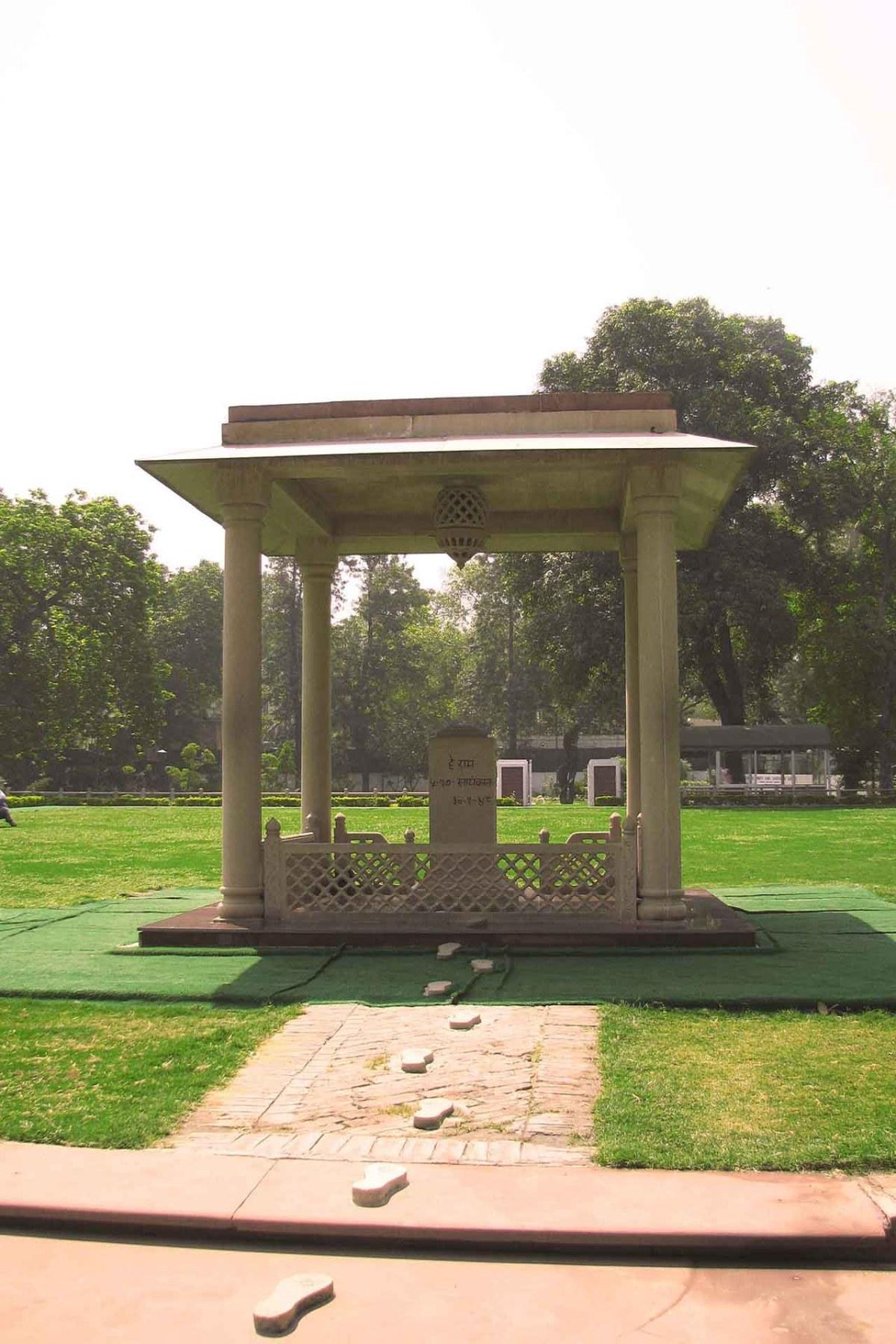 Märtyrer Säule in Neu-Dehli - Auf den Fußspuren Gandhis