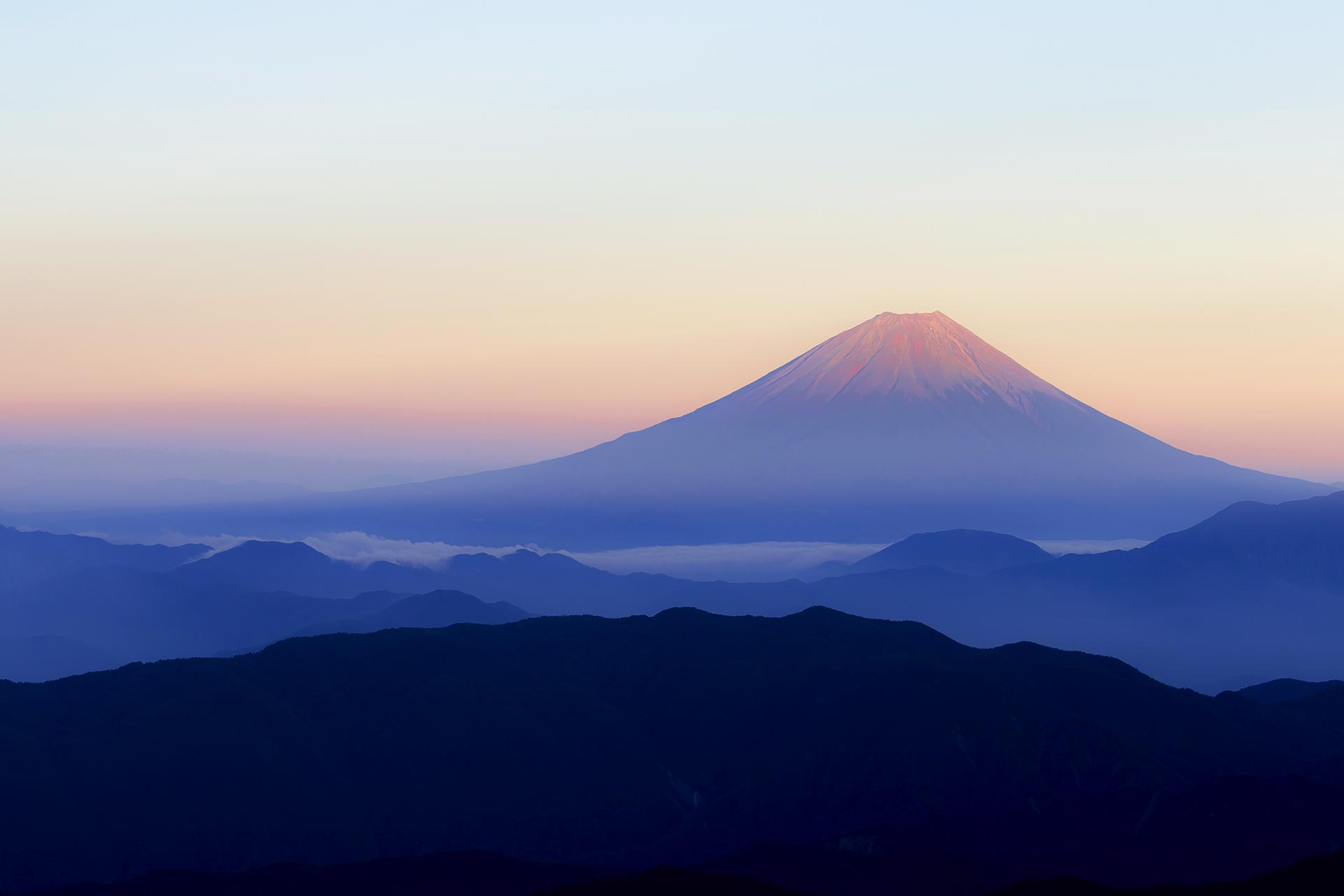 Sonnenuntergang am Mount Fuji