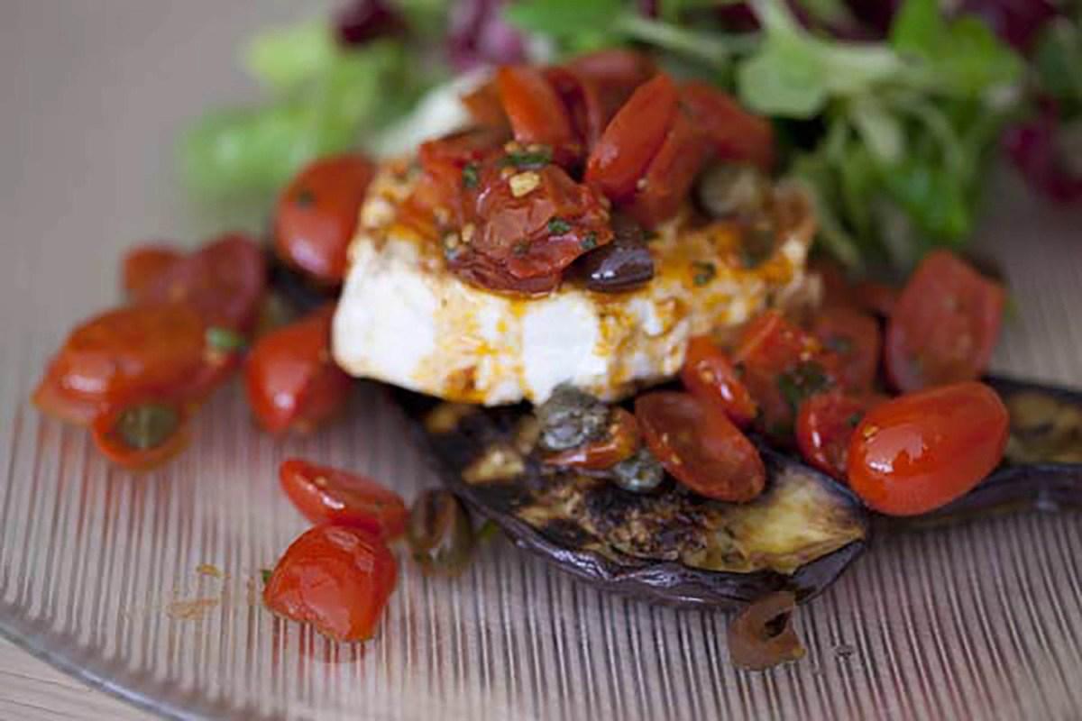 Fisch mit Melanzane und Tomaten