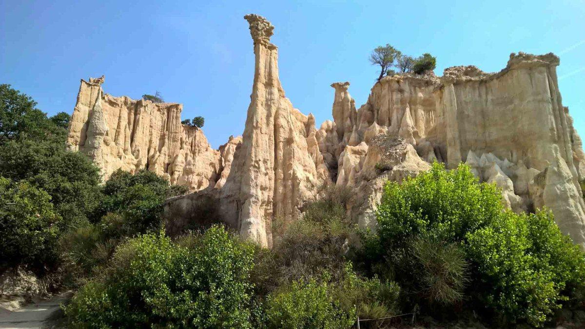 Bizarre Berg- und Felsformationen in den Pyrenäen