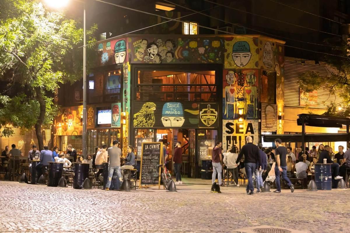 La Chope, Palermo, Buenos Aires. Bei Tag und Nacht