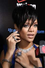 top rihanna hairstyles