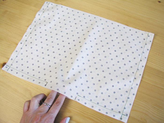 Sew the inner part of the tissue basket |  Betsy Sewing