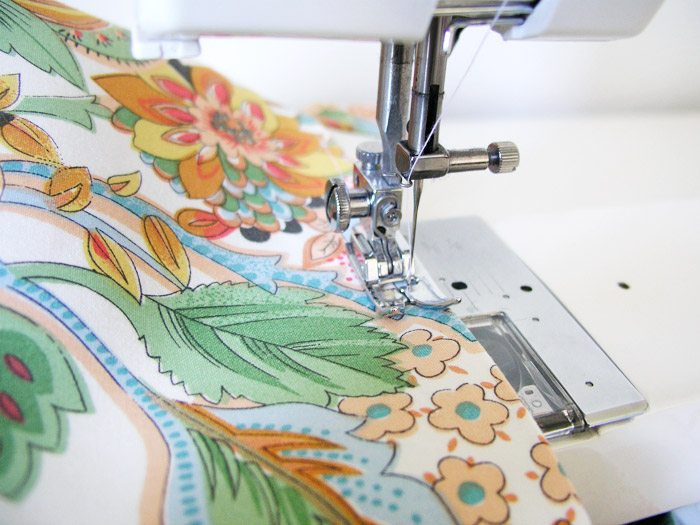 Stitch the top edge of the fabric basket |  Betsy Sewing