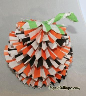 Paper-Calliope-pumpkin-rosette-3
