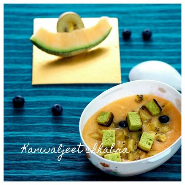 Cantaloup soup with fresh blueberries