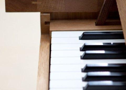 piano table 3
