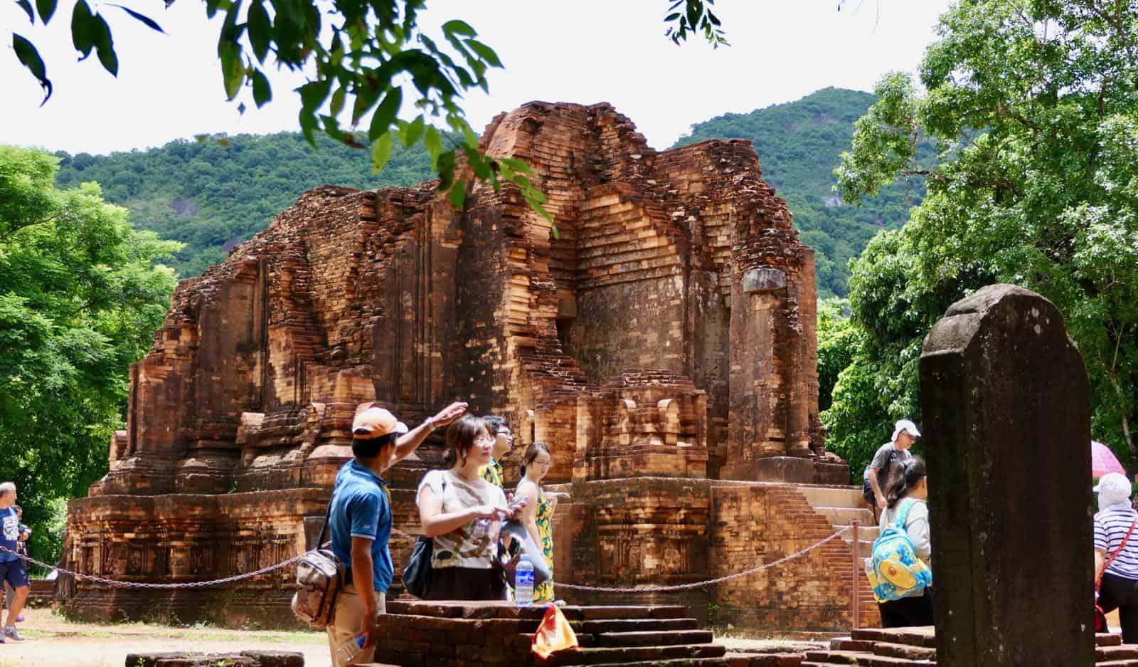 More My Son tourists Vietnam Hoi An betternotstop Temple ruins
