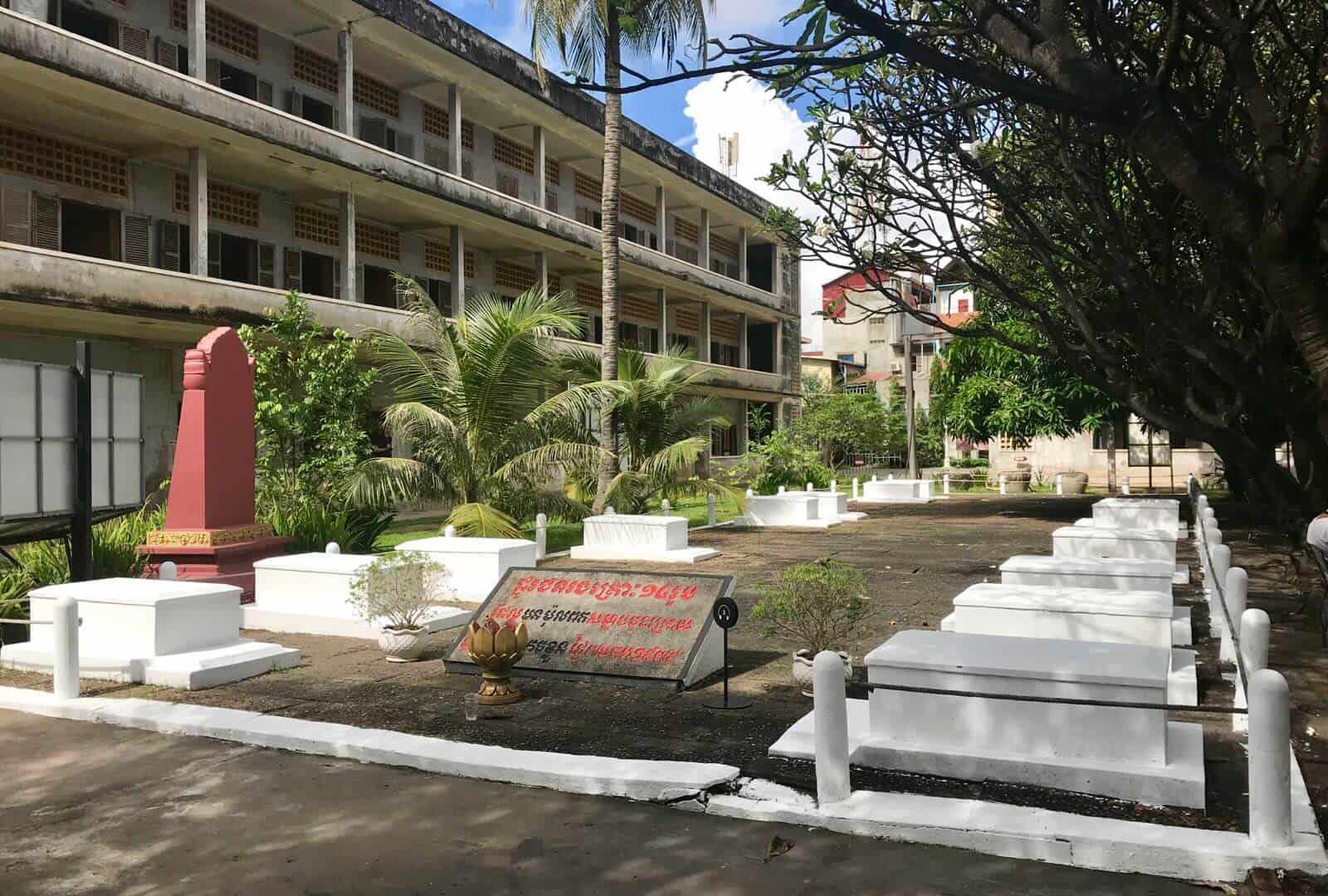 Tuol Sleng Genocide Museum ombodia Phnom Penh betternotstop