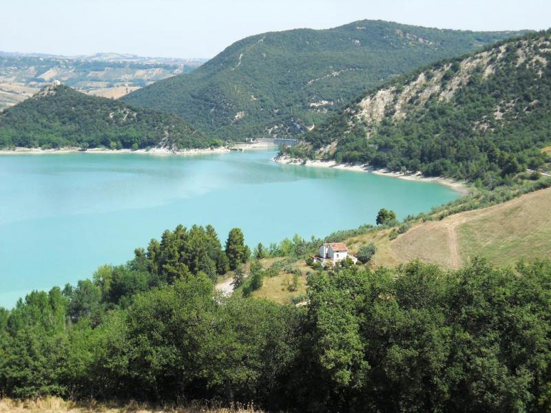Immobili in vendita in Abruzzo Casolare rustico con vista lago Casoli Casolari Rustici DSG149