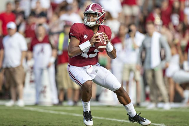 College Football Bowl Game Point Spreads And Week 17 Nfl Opening