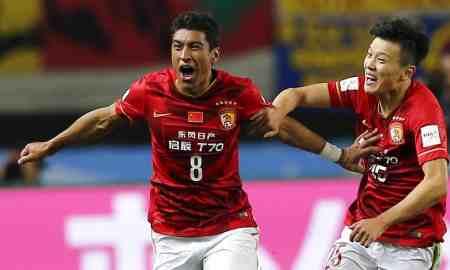 Guangzhou Evergrande v Chongqing - Super League