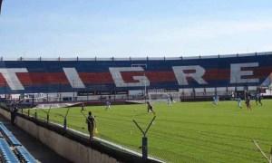 Tigre v Velez Sarsfield - Primera Division