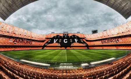 Valencia v Real Madrid - La Liga