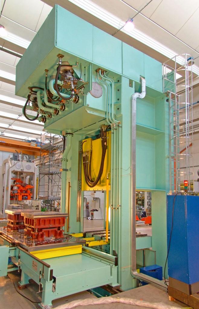 Galdabini-Application-Metalforming-Aerospace-components-on-EV-1000