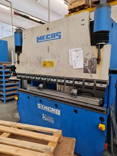 Pressa piegatrice Mecos Syncro 70-250 usato in vendita da Betto Macchine srl