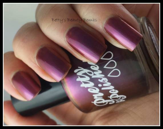 Life-Is-A-Bowl-Of-Cranberries-Swatch