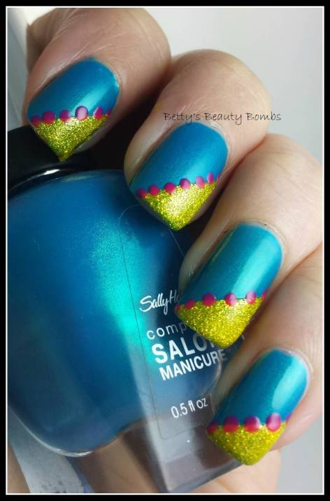 Sally-Hansen-Calypso-Blue