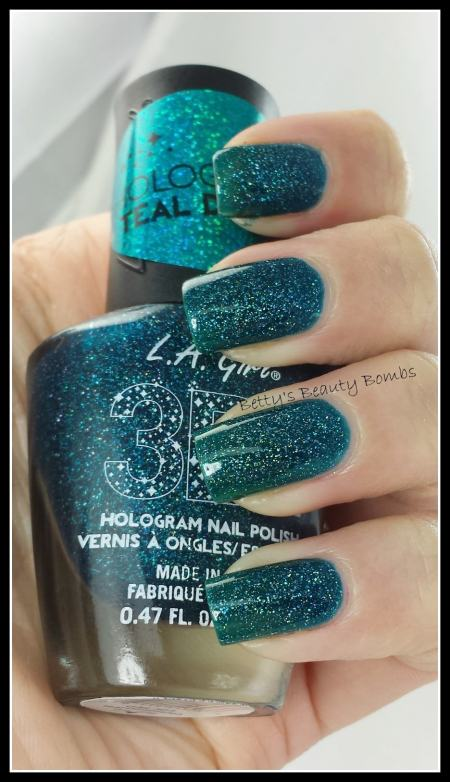 LA-Girl-Teal-Dimension-Swatch