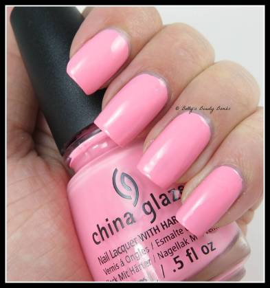 China-Glaze-Feel-the-Breeze