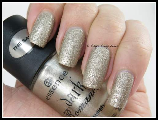 Essence-Gothic-Gold