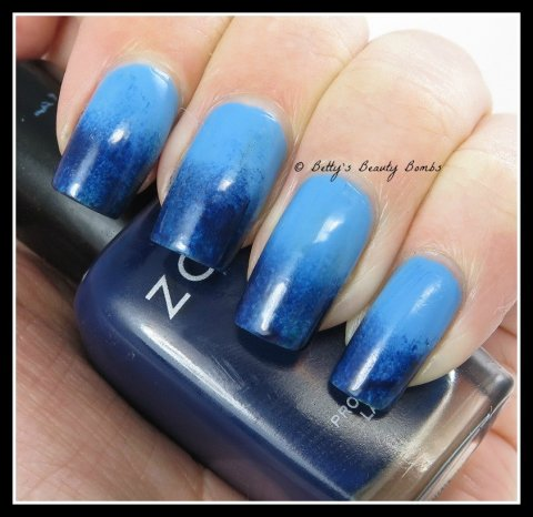 Blue-Nail-Art-Gradiant