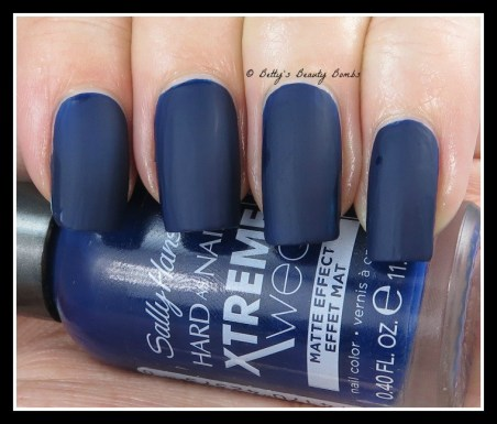 Sally-Hansen-Blue-Blood-Swatch