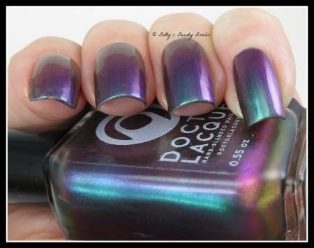 duochrome-nail-polish