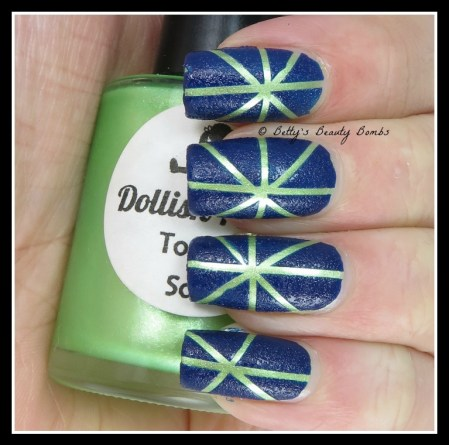 green-and-blue-nail-art