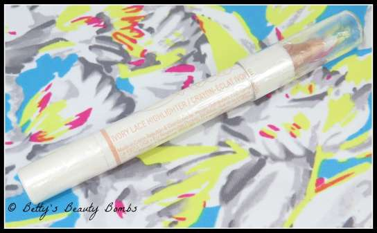 chella-ivory-lace-highlighter