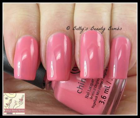 china-glaze-pinking-out-the-window-swatch