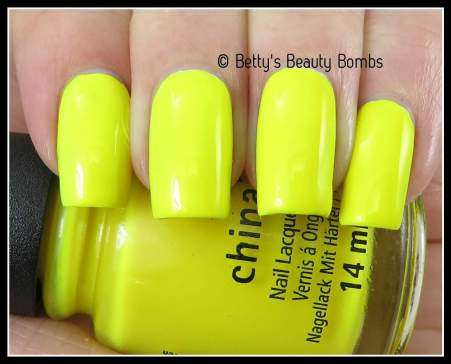 china-glaze-daisy-know-my-name-swatch