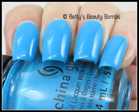 china-glaze-dj-blue-my-mind