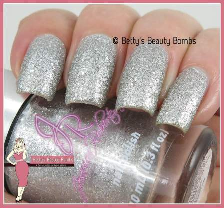 jessica-robertson-silver-sand-swatch