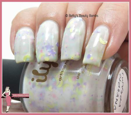 ily-cosmetics-unicorn-dreams-swatch