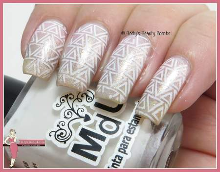 triangle-nail-art