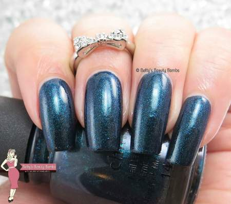 china-glaze-don't-get-elfed-up-swatch