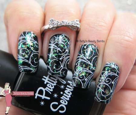 swirly-nail-art-idea
