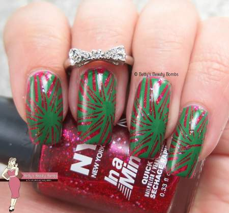red-and-green-nail-art
